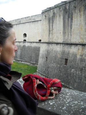 Nel perenne dialogo tra materia e forma, Tiziana ha inserito il ricordo come terzo elemento, necessario a restituire ai primi due la possibilità di riscattarsi dall'ovvio